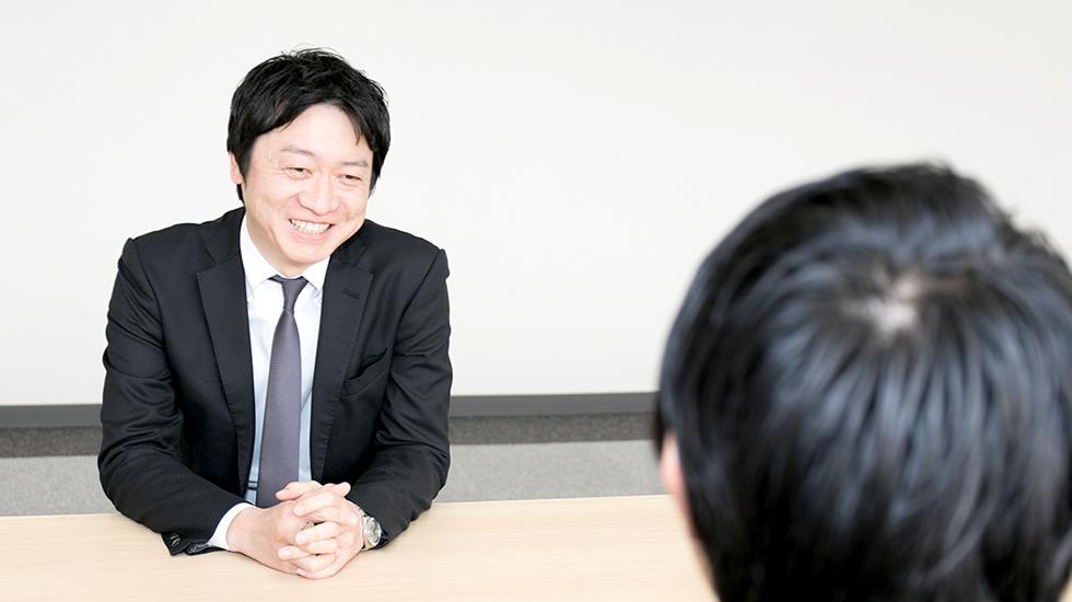 営業本部 白川 永士
